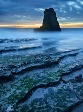 Davenport Stack by Copyright Peter Adams. All rights reserved. Photo may not be used or distributed in any way without prior writen approval..