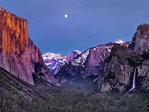 Moon Rise Over Yosemite Valley by Copyright Peter Adams.
